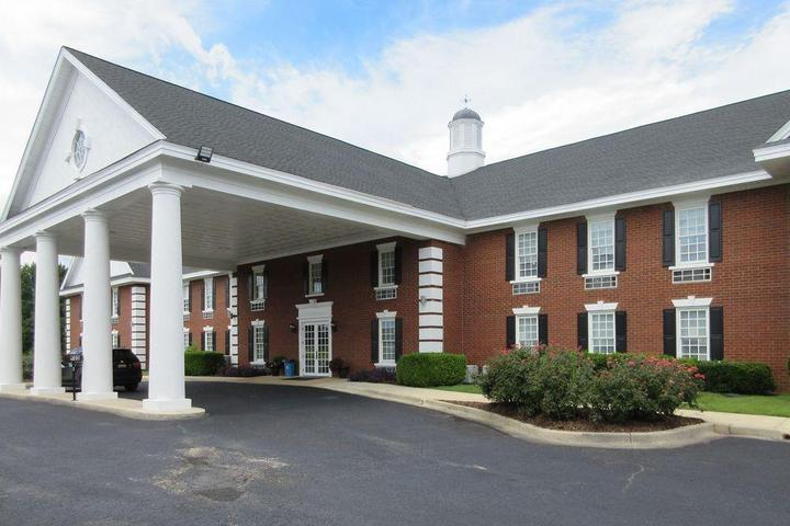 Pet Friendly Quality Inn and Suites Edgefield