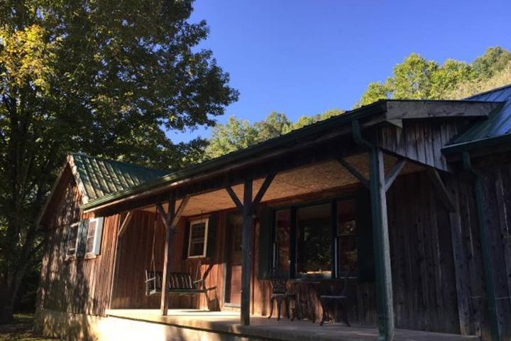 Pet Friendly East Bernstadt Airbnb Rentals