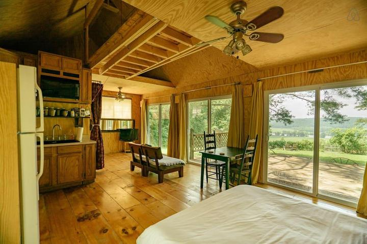 Pet Friendly Springfield Airbnb Rentals