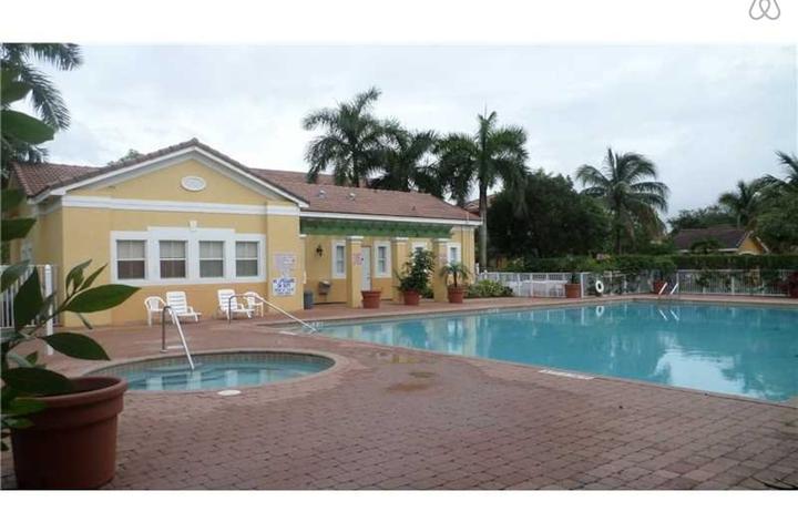 Pet Friendly Palm Beach Shores Airbnb Rentals