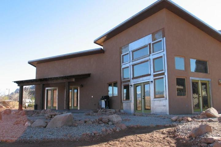 Pleasant Pet Friendly Vacation Rentals In Moab Ut Bring Fido Home Interior And Landscaping Spoatsignezvosmurscom