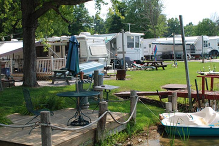 Pet Friendly Green Acres Lake Park Resort
