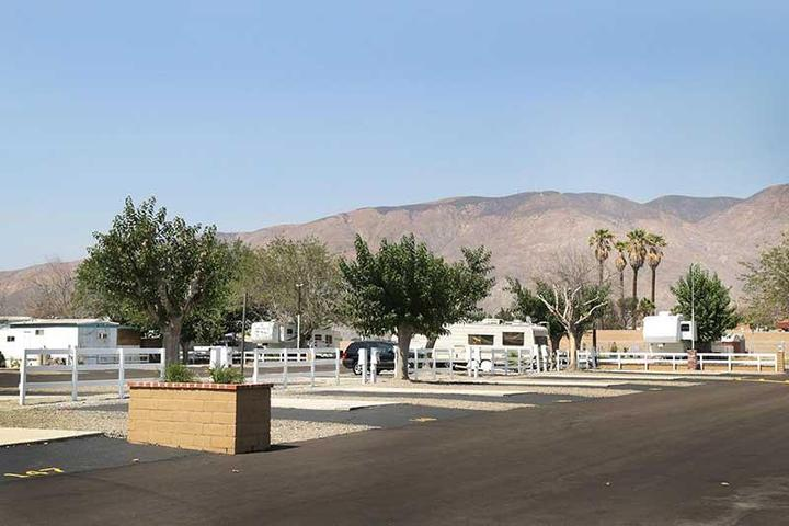 Pet Friendly Diamond Valley RV Park