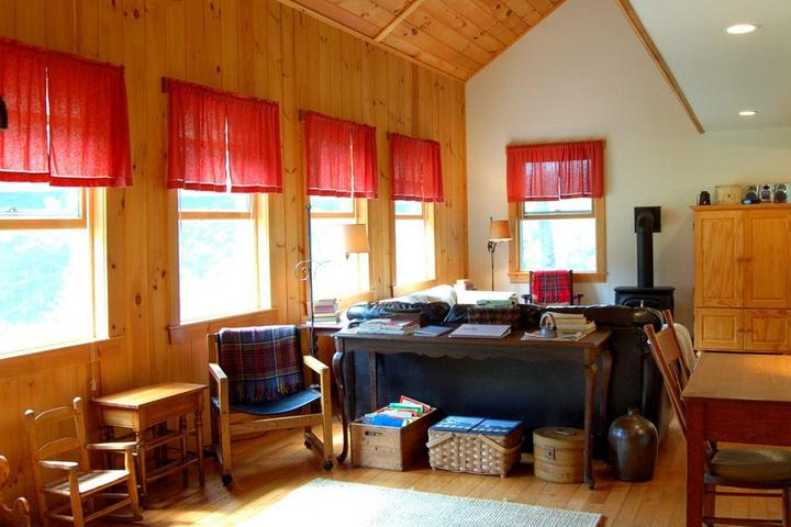 Prime Pet Friendly Vacation Rentals In Lincoln Nh Bring Fido Home Remodeling Inspirations Basidirectenergyitoicom