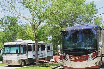 Pet Friendly Wagon Wheel RV Resort & Campground