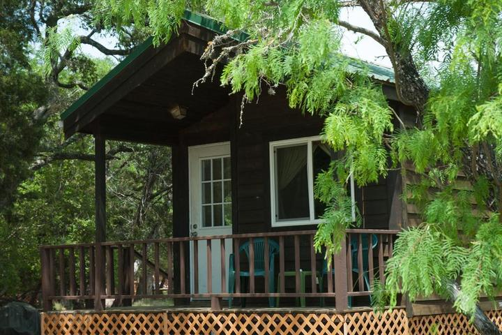 Pet Friendly Medina Lake Camping Resort Cabin 7