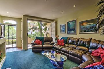 Pet Friendly Colorful Garden Condo in Irvine Close to Beach, Long-Term Only