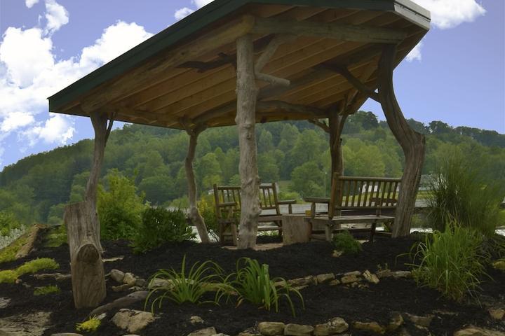 Pet Friendly Tygart River Guest House