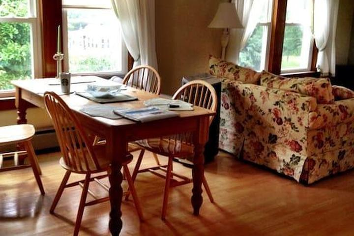 Pet Friendly Kittery Airbnb Rentals