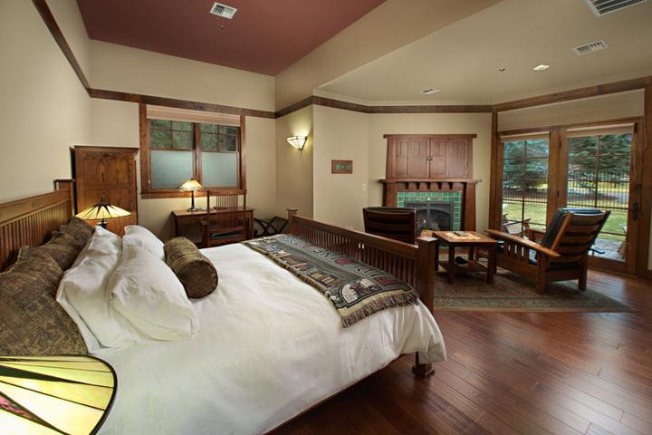 Pet Friendly FivePine Lodge & Spa