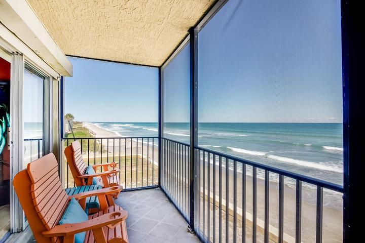 Pet Friendly 2-Bedroom Condo with Direct Oceanfront