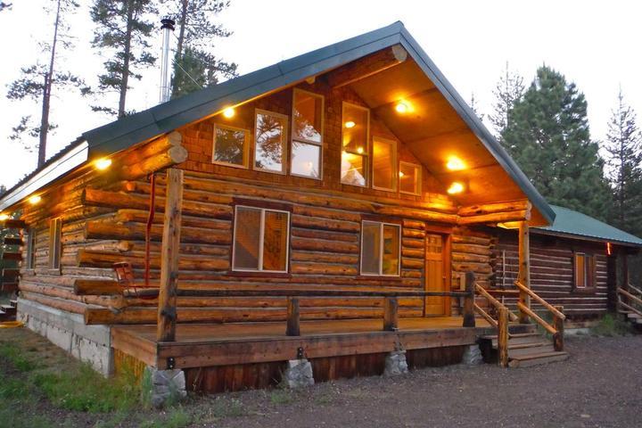 Pet Friendly Paulina Pines Cabin