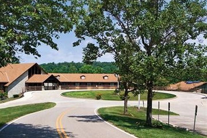 Pet Friendly Burr Oak Lodge & Conference Center
