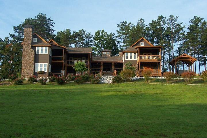 Pet Friendly Three Pines View Bed and Breakfast