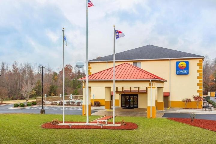Pet Friendly Comfort Inn & Suites Mocksville