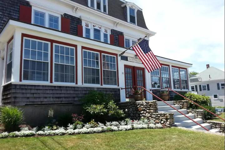 Pet Friendly The Winslow Bed and Breakfast