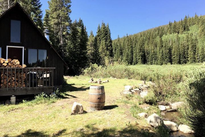 Pet Friendly Cozy Creek Side Cabin
