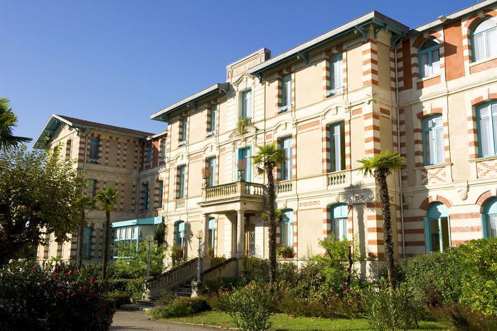 Pet Friendly Hotels In Arcachon Fr Bringfido