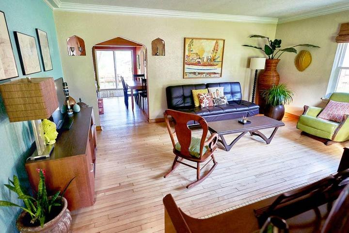 Pet Friendly Windsor Heights Airbnb Rentals