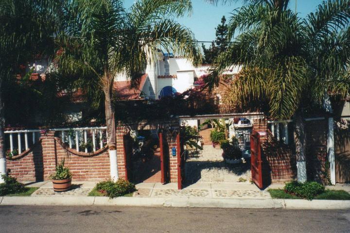 Pet Friendly Hotels in Tijuana, MX - Bring Fido