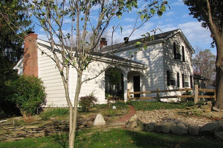 Pet Friendly Mayfield Airbnb Rentals