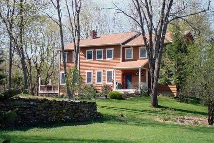 Pet Friendly House on Brown's Pond Rd