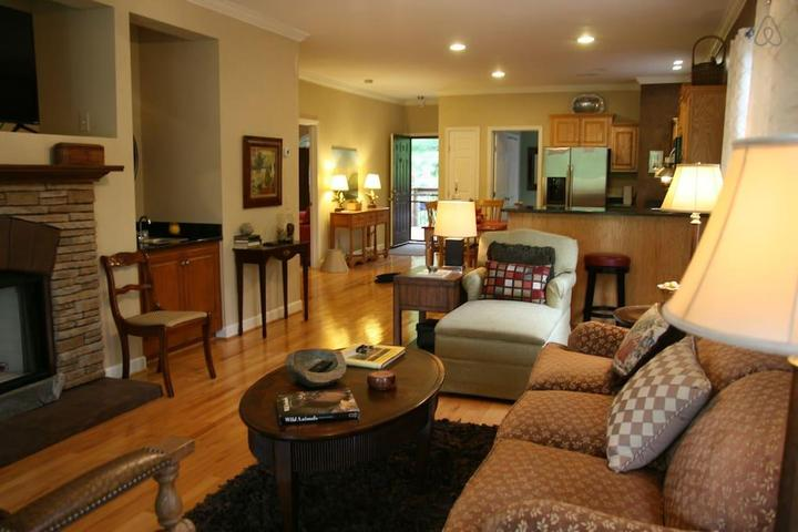 Pet Friendly Lake Toxaway Airbnb Rentals