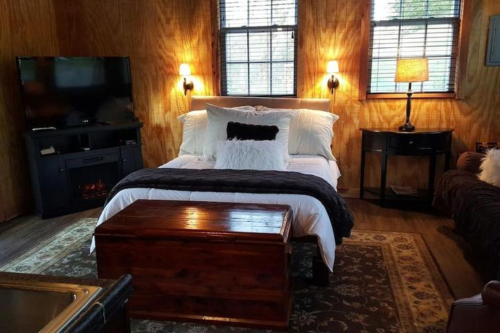 Pet Friendly Carthage Airbnb Rentals