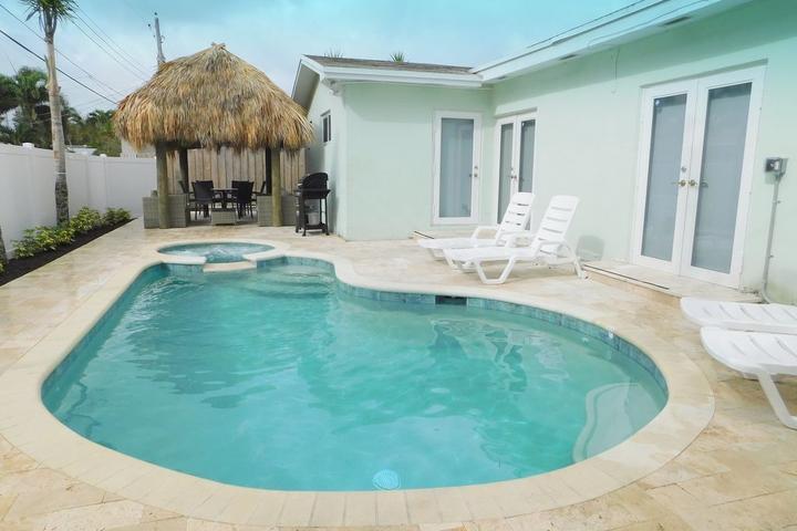 Pet Friendly Las Turquesas 5/3 with Swimming Pool