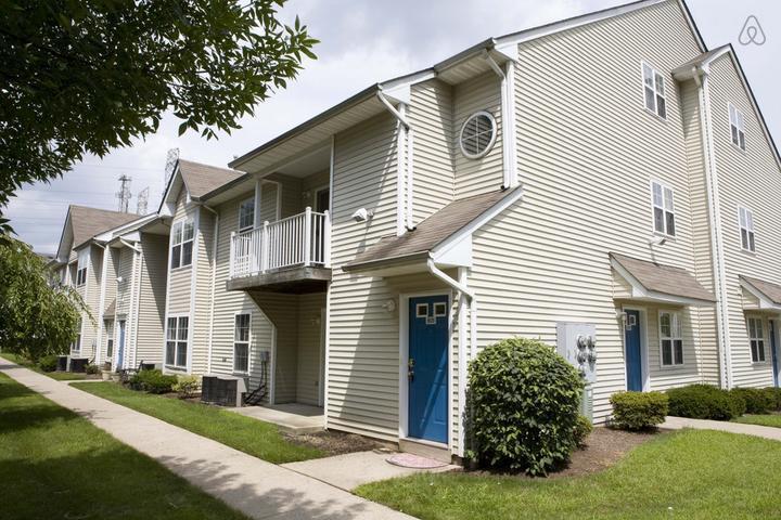 Pet Friendly Woodbridge Airbnb Rentals