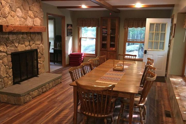 Pet Friendly Cape Guinevere at Baxter Lake