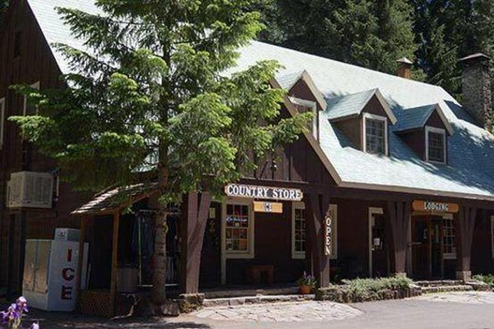 Pet Friendly Union Creek Resort