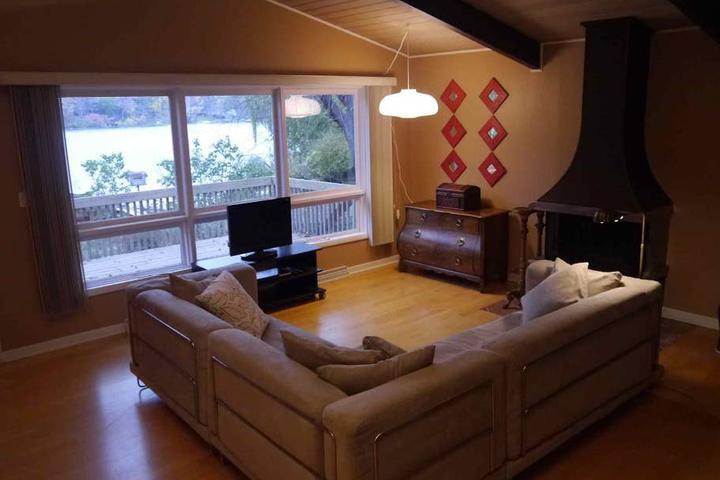 Pet Friendly Long Grove Airbnb Rentals