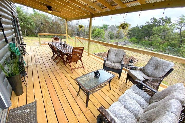 Pet Friendly Hill Country Log Cabin