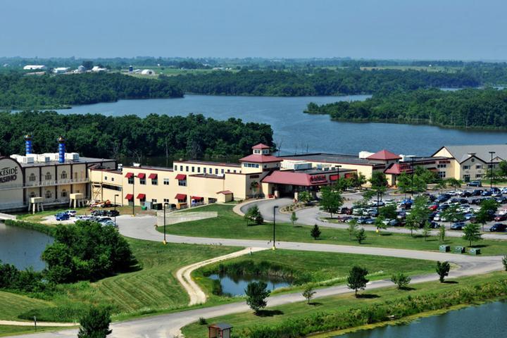 Pet Friendly Lakeside Hotel Casino