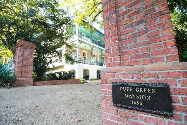 Pet Friendly Duff Green Mansion