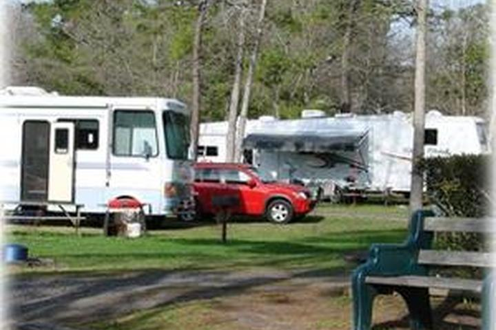 Pet Friendly Lake Aire RV Park and Campground