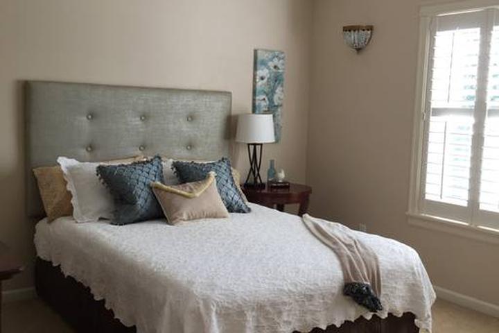 Pet Friendly Camas Airbnb Rentals