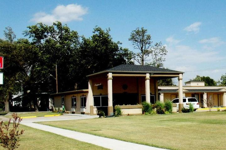 Pet Friendly Country Inn Sterling