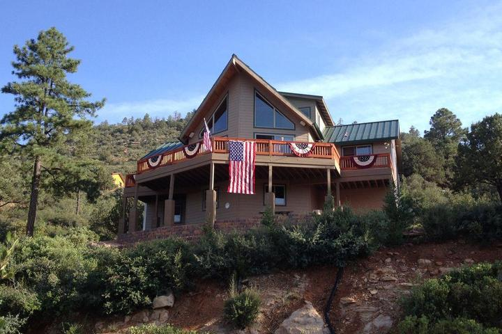 Pet Friendly Wild Turkey Chalet