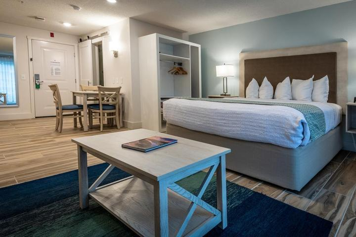 Pet Friendly Palmera Inn and Suites