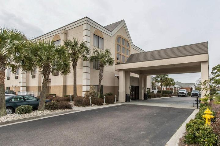 Pet Friendly Comfort Suites Southport