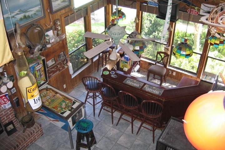 Pet Friendly Hemingway's Waterfront Resort