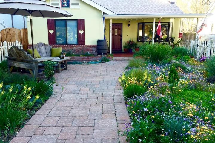 Pet Friendly Mission Hills Airbnb Rentals