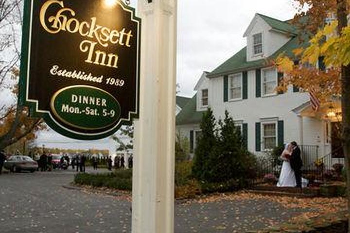 Pet Friendly Chocksett Inn and Restaurant