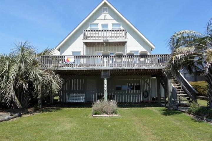 Awe Inspiring Pet Friendly Vacation Rentals In Holden Beach Nc Bring Fido Home Interior And Landscaping Ferensignezvosmurscom