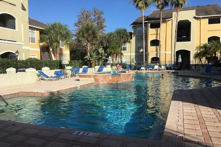 Pet Friendly Sunny Florida Avalon Cearwater Condo