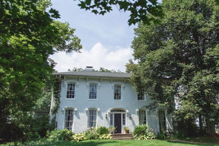 Pet Friendly Orchard House Bed & Breakfast