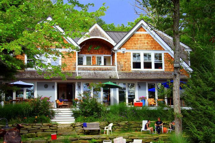 Pet Friendly Plainville Airbnb Rentals
