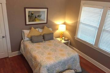 Pet Friendly Cool and Classic in Central El Paso